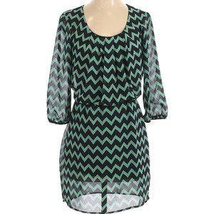 City Triangles Casual Dress Size S Chevron Pattern